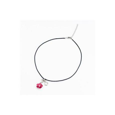 Twinklets nyaklánc piros virággal, fehér Swarovski kristályokkal.
