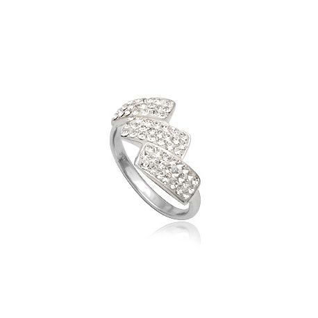 Ezüst gyűrű 3 hajlított téglalappal díszítve, melyek Swarovski kristályokkal vannak kirakva.