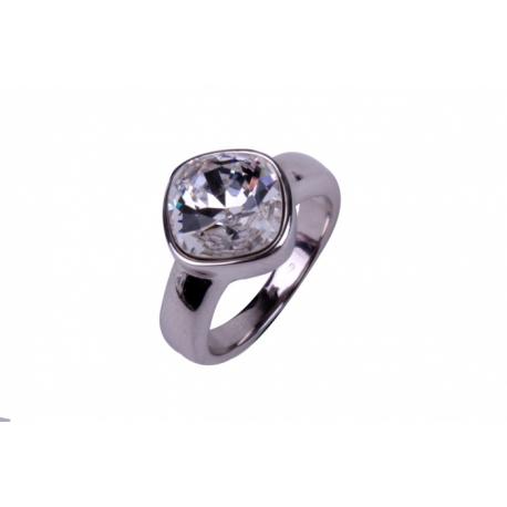 ZINZI ezüst gyűrű,szögletes kristállyal díszítve.  Kifutó termék, utolsó darabok!