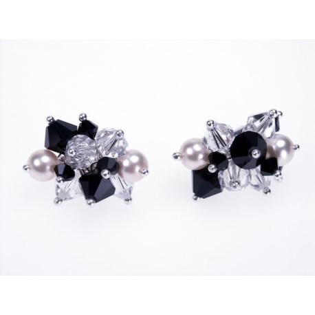Ezüst bedugós különböző Swarovski kristálykomponensekből álló fülbevaló.